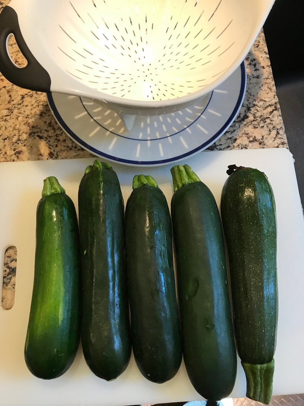 For a 2.5-quart dish I used 5 zucchini.  Try to look for thicker zucchini.