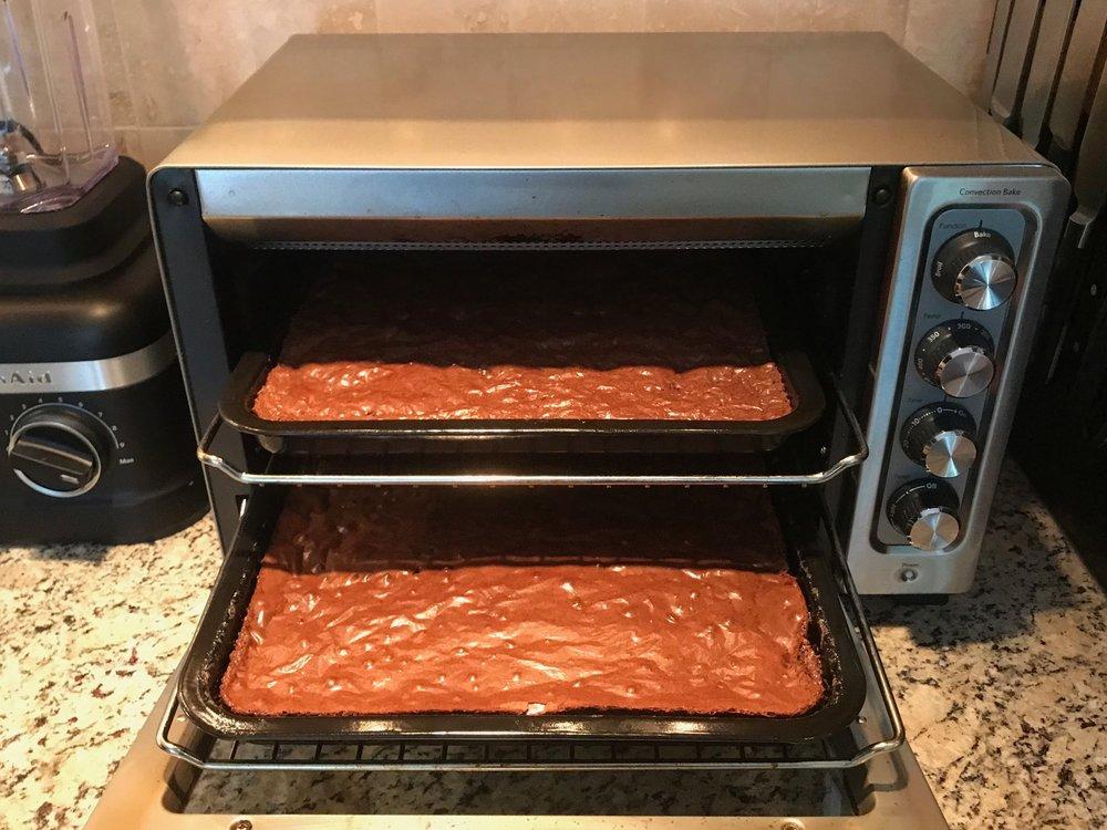 2 brownie pans in oven.jpg
