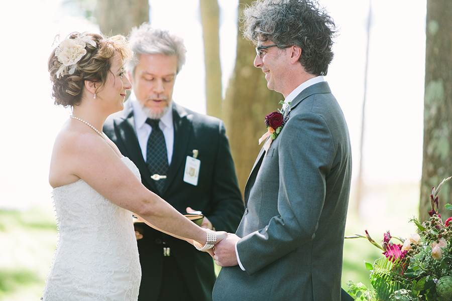 claire&garrettwedding_06.jpg