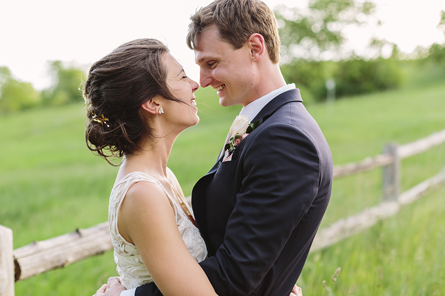 emily&andy-thecompasspointshere_018.jpg