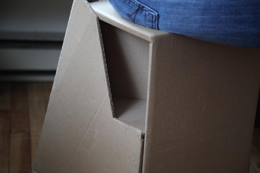 CardboardStool_03.jpg