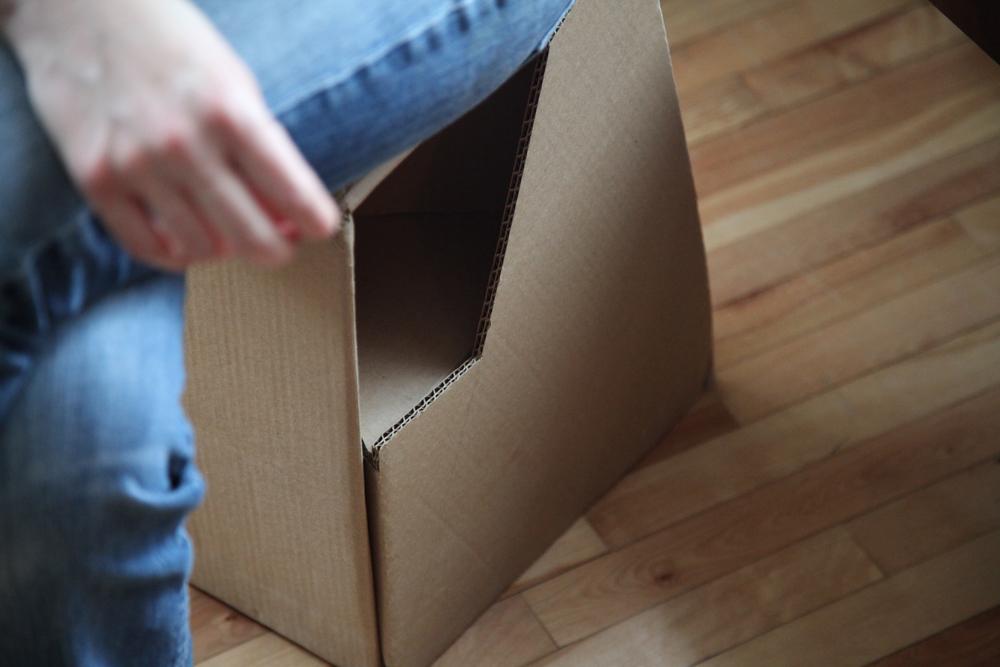 CardboardStool_04.jpg