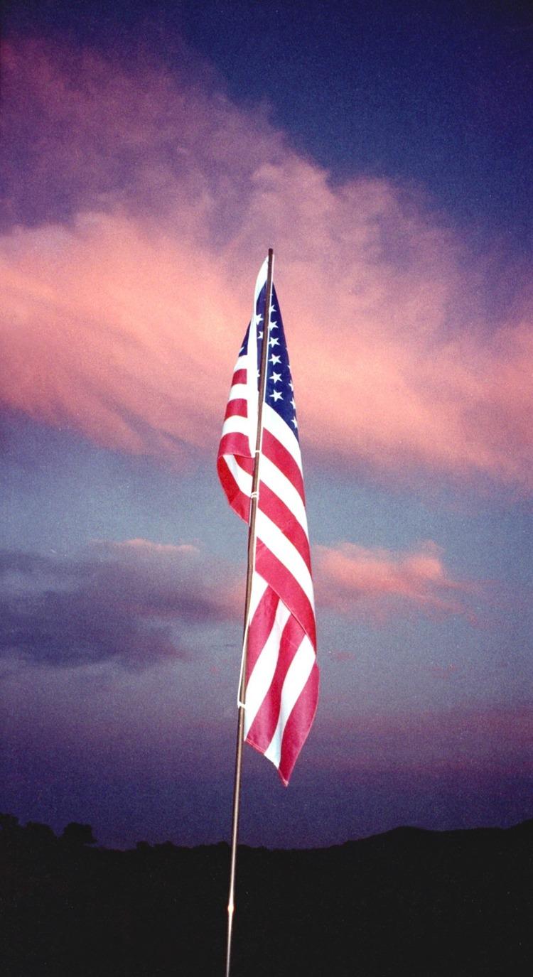 9-11-2001+american+flag+-+Bonnie+Kuhr.jpg