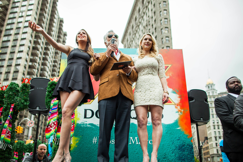 Commissioned to cover Dos de Mayo campaign for DosEquis