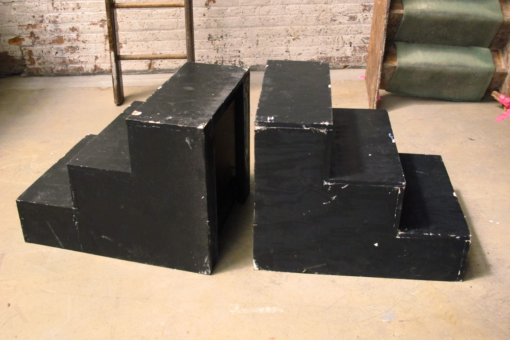 Twin Black Wood Three-Steps (2)