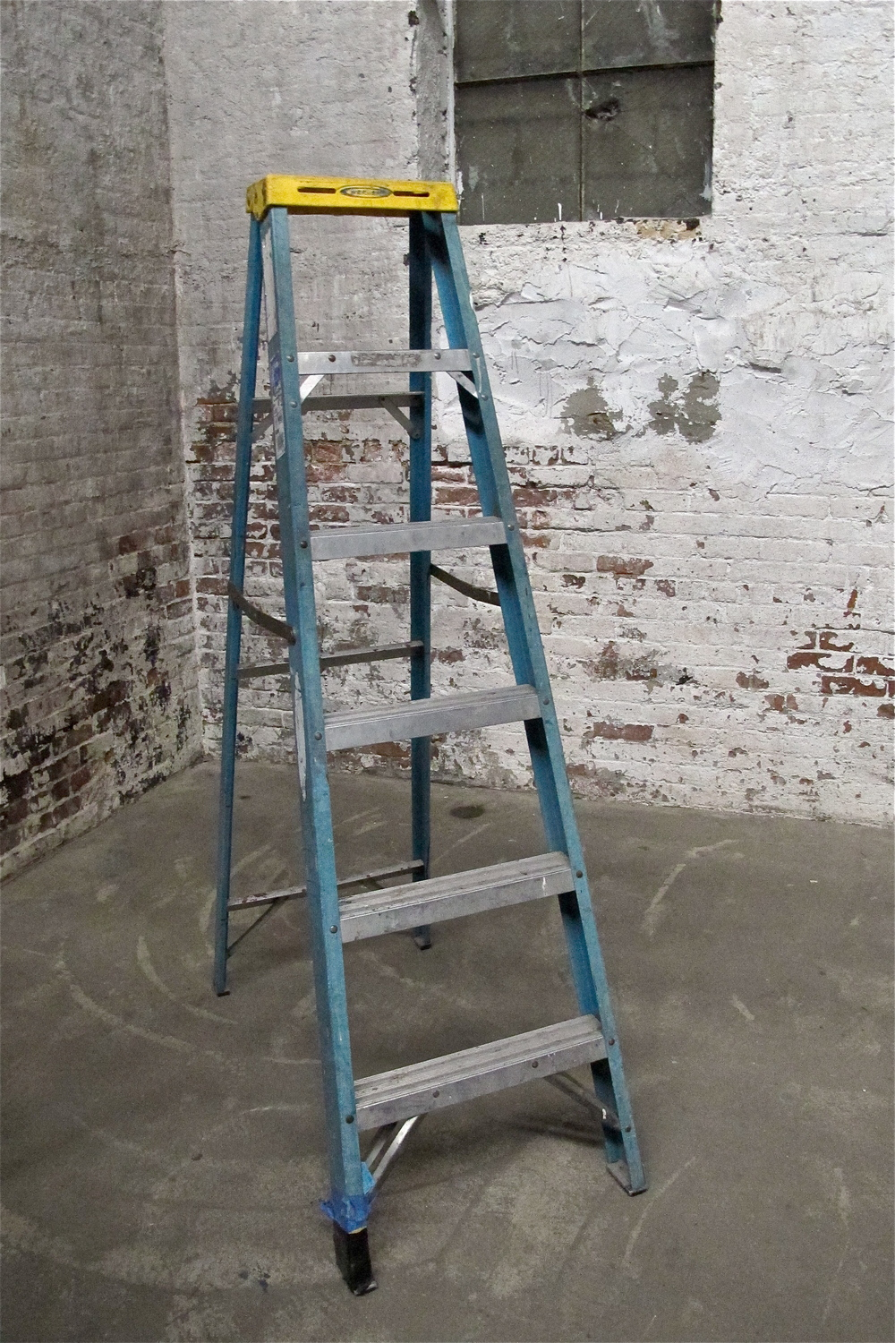 Blue Metal  6' ladder