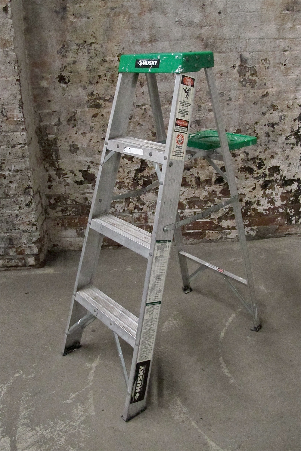 Green top 4' Metal Ladder