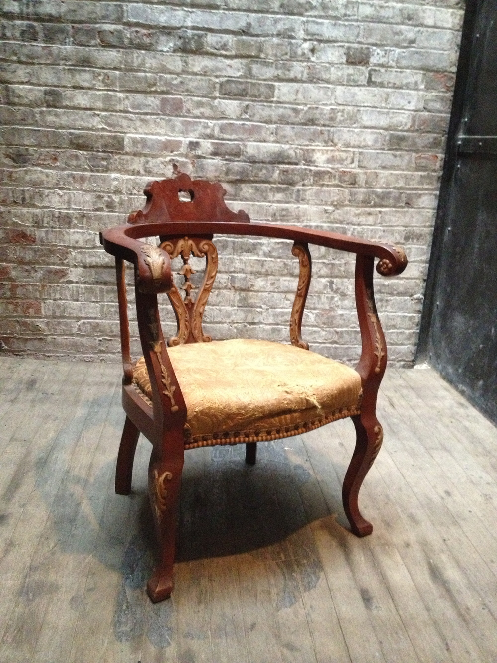Antique Yellow Seat Throne $150
