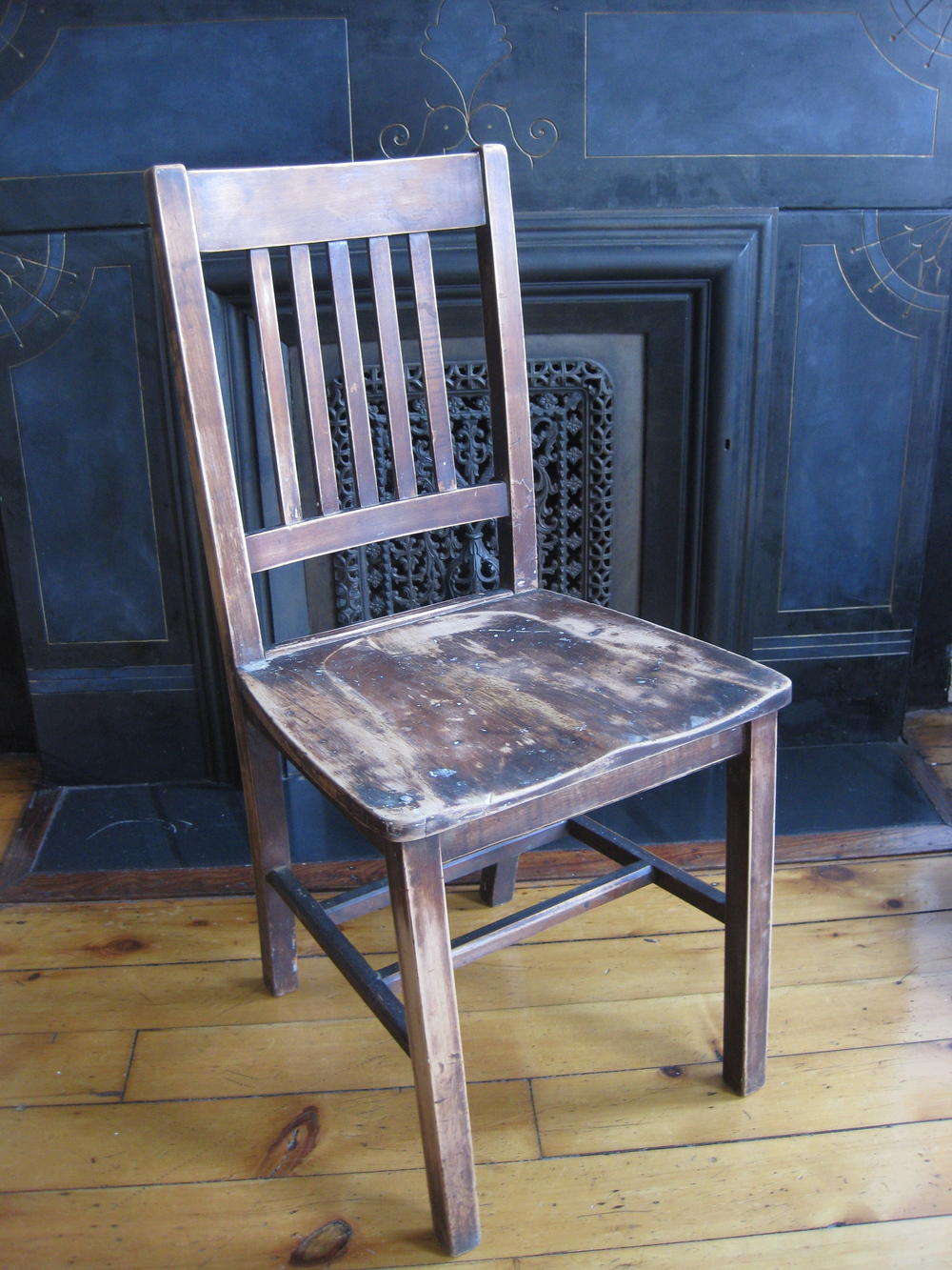 Wood Seating Primate Props - Wooden Chair Old