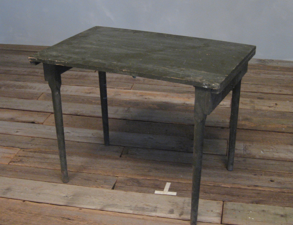 Army Table 36x24x28 $100