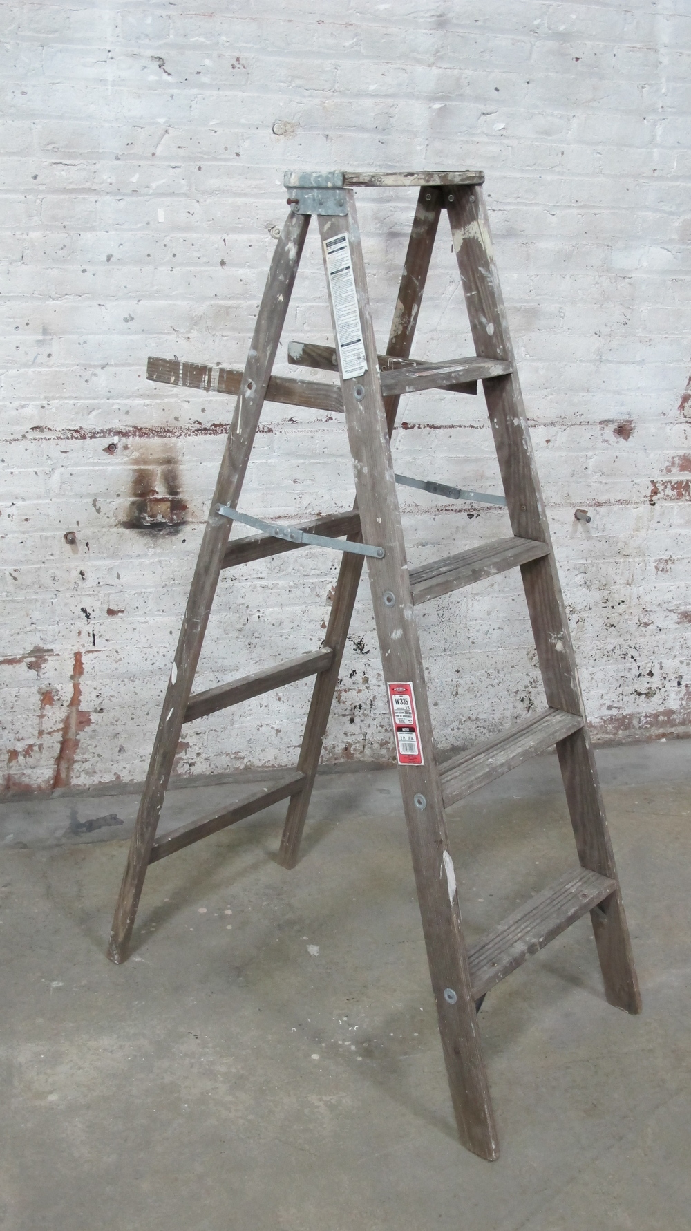 Grey Wood 4-Step ladder