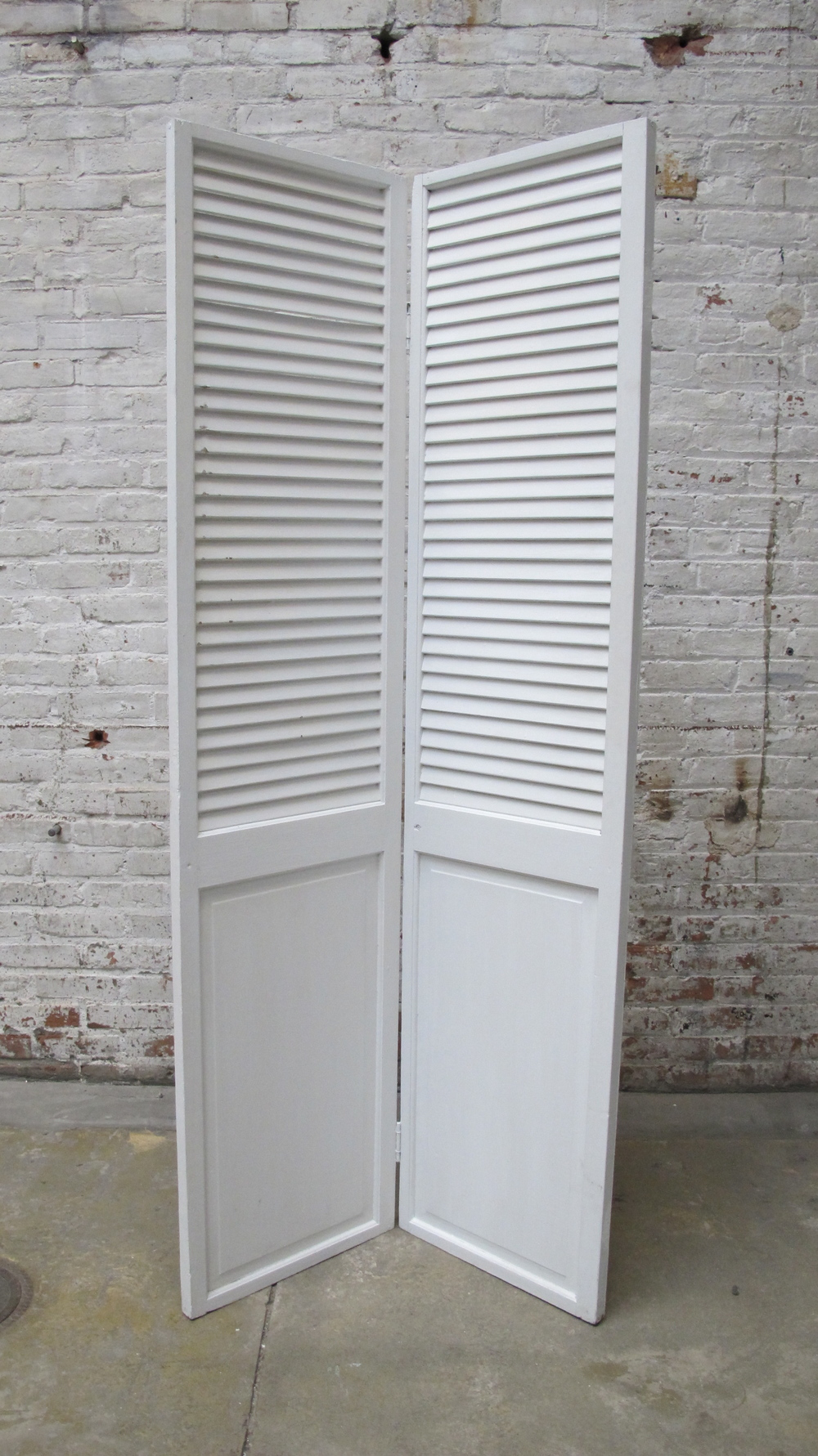 White 2-panel Screen - BACK $75
