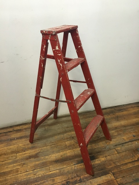 CN red 3-step ladder