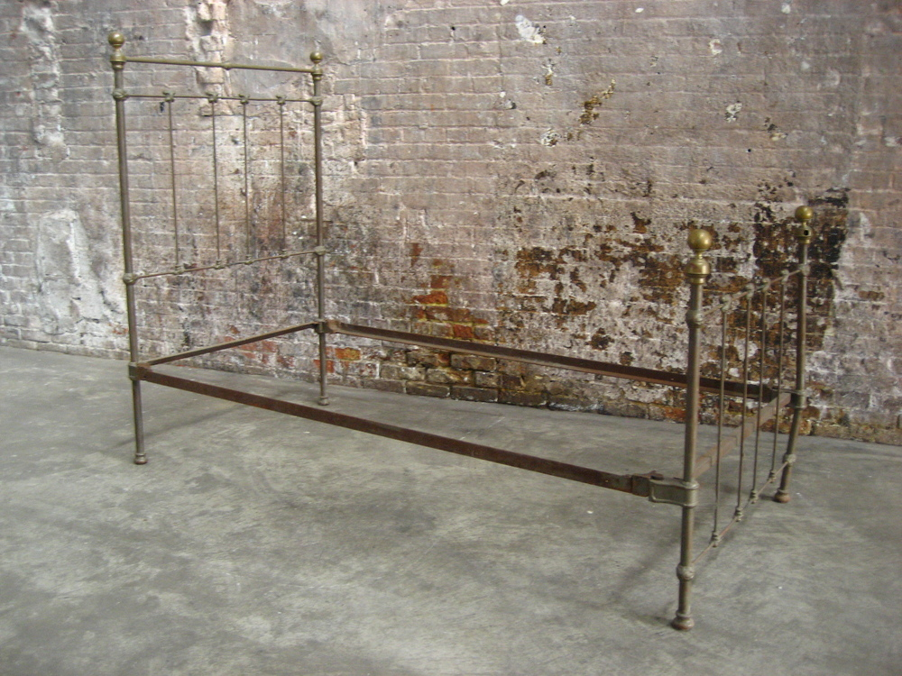 metal bed frame $125