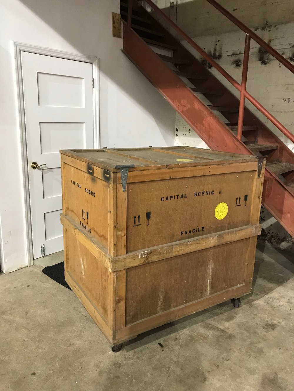 Large crate on wheels $250