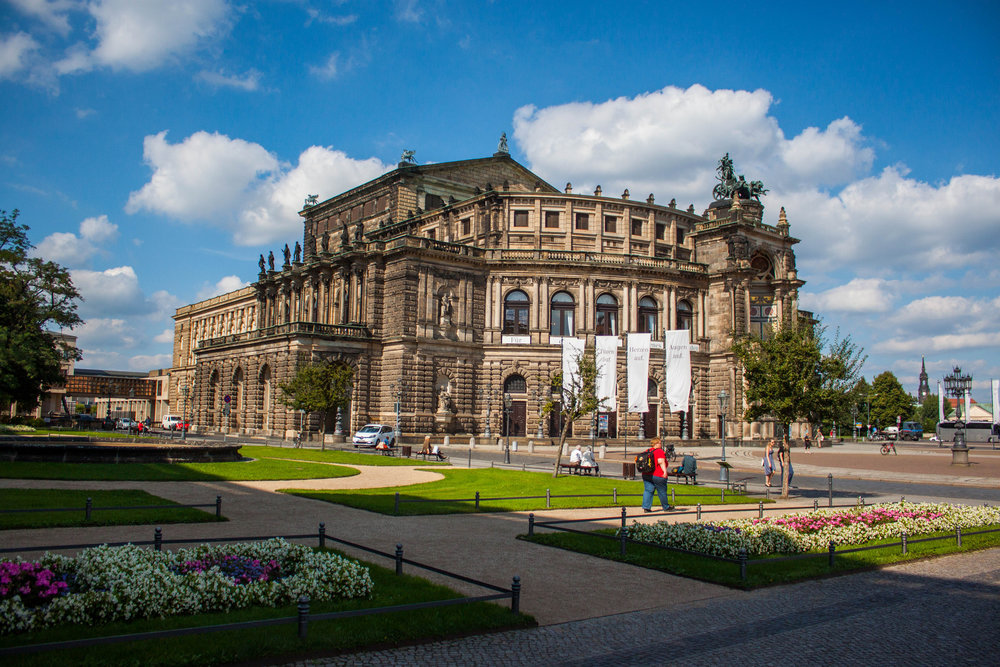 Guide to Dresden Theaterplatz