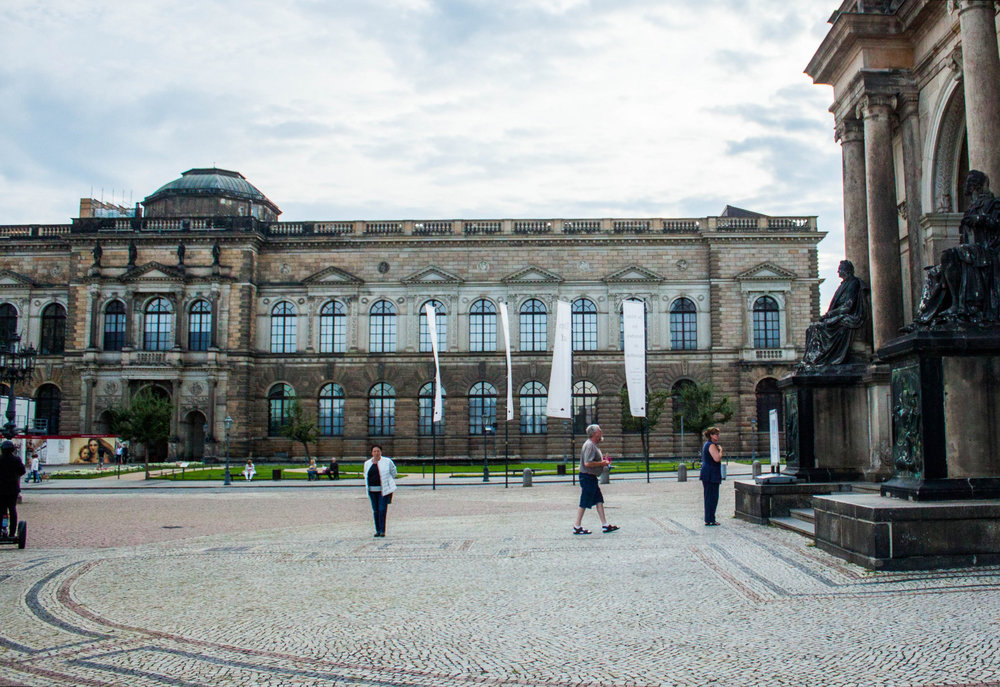 Guide to the Dresden Old Masters Gallery