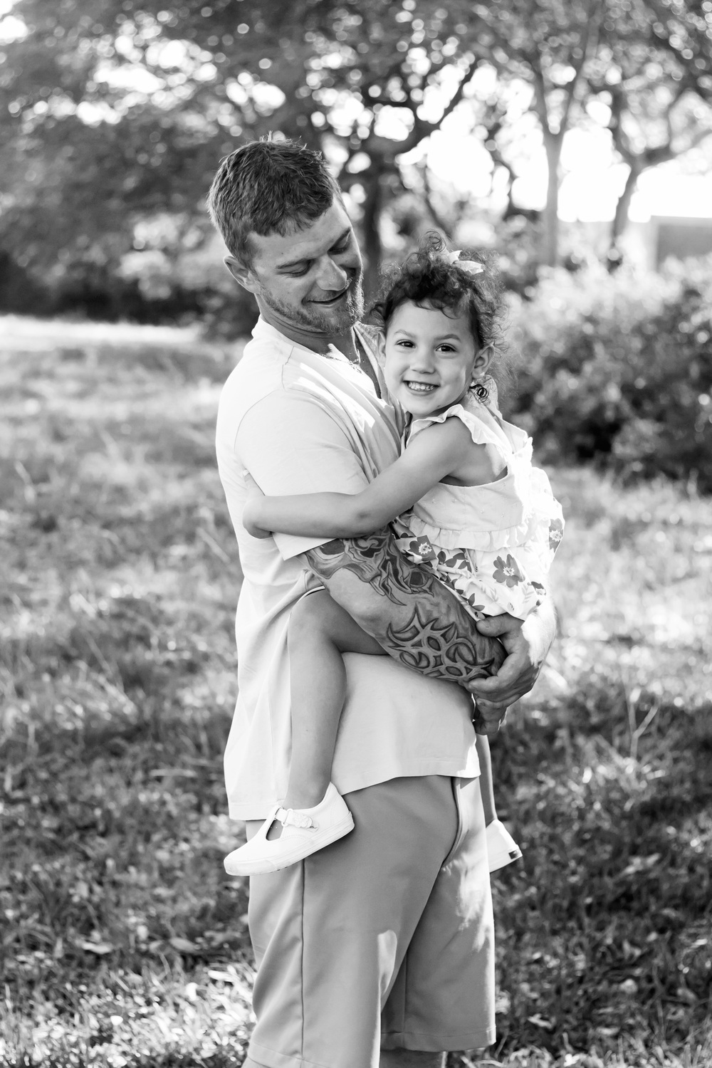 TIFFANY_ABRUZZO_PHOTOGRAPHY_ENGAGEMENT_22bw.jpg