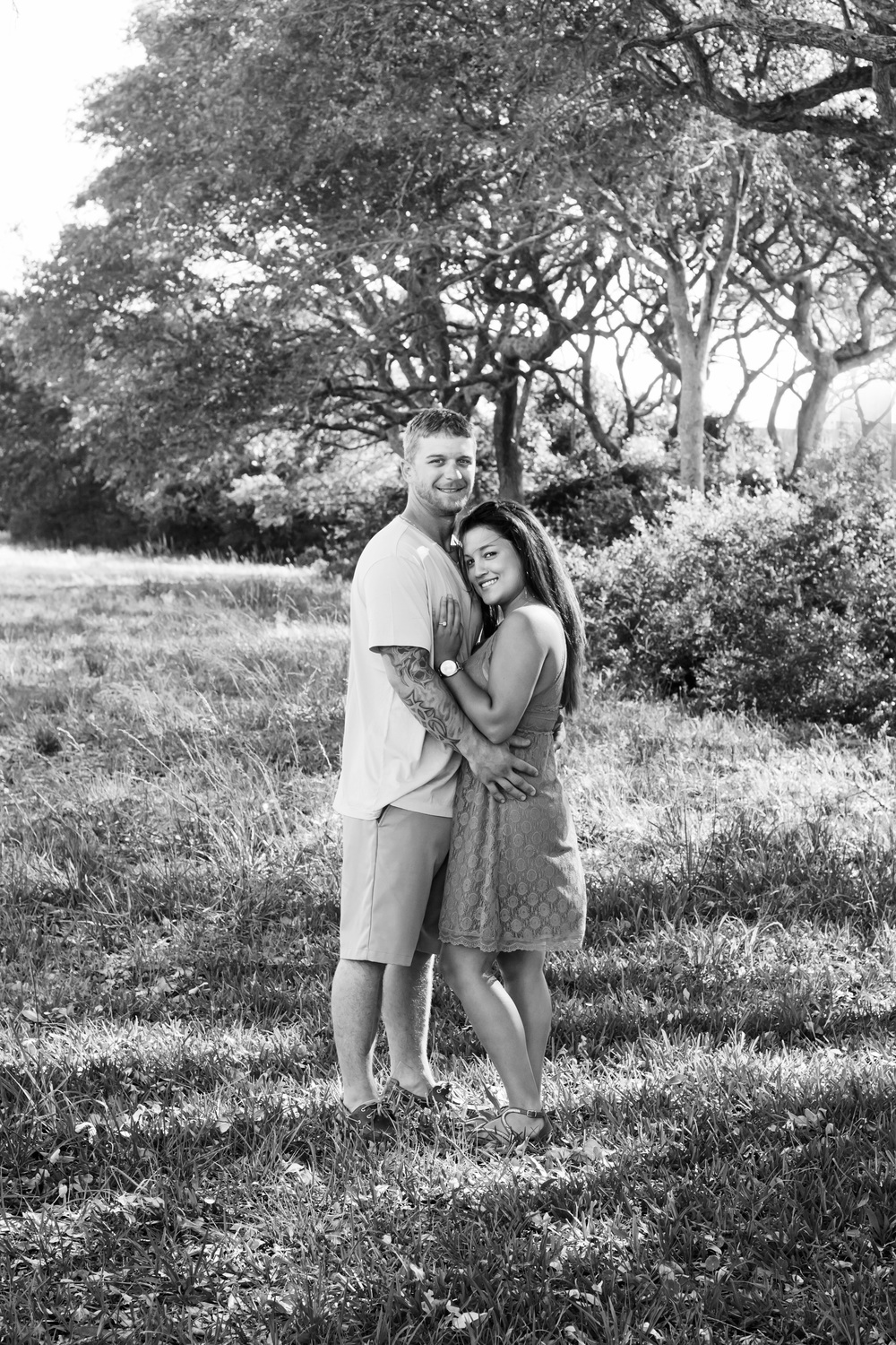 TIFFANY_ABRUZZO_PHOTOGRAPHY_ENGAGEMENT_26bw.jpg
