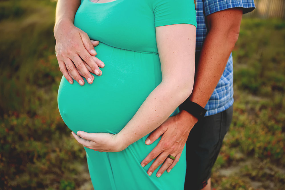 Fort_Fisher_Maternity_Photographer_Tiffany_Abruzzo_1.jpg