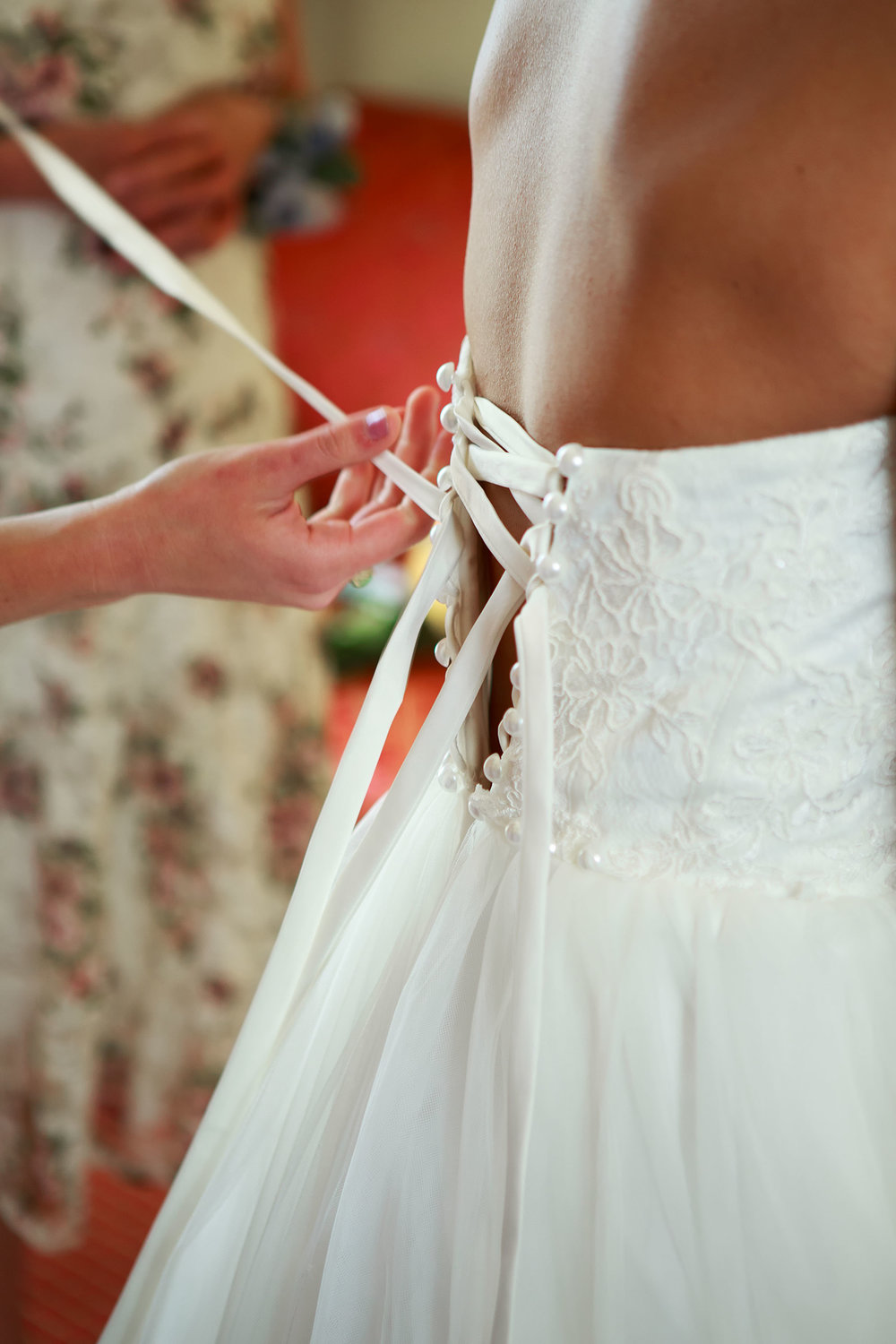 North_Carolina_Wedding_Photographer_Tiffany_Abruzzo_Girls Prep_014.jpg