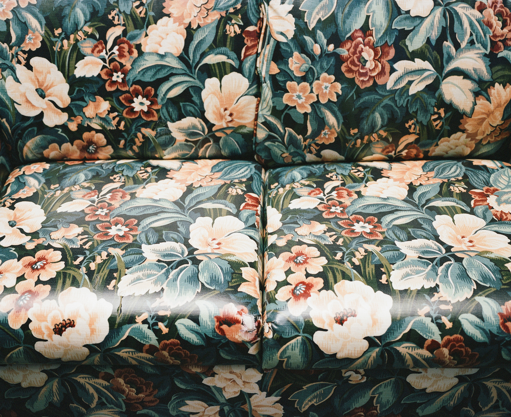 002_floral_couch.jpg