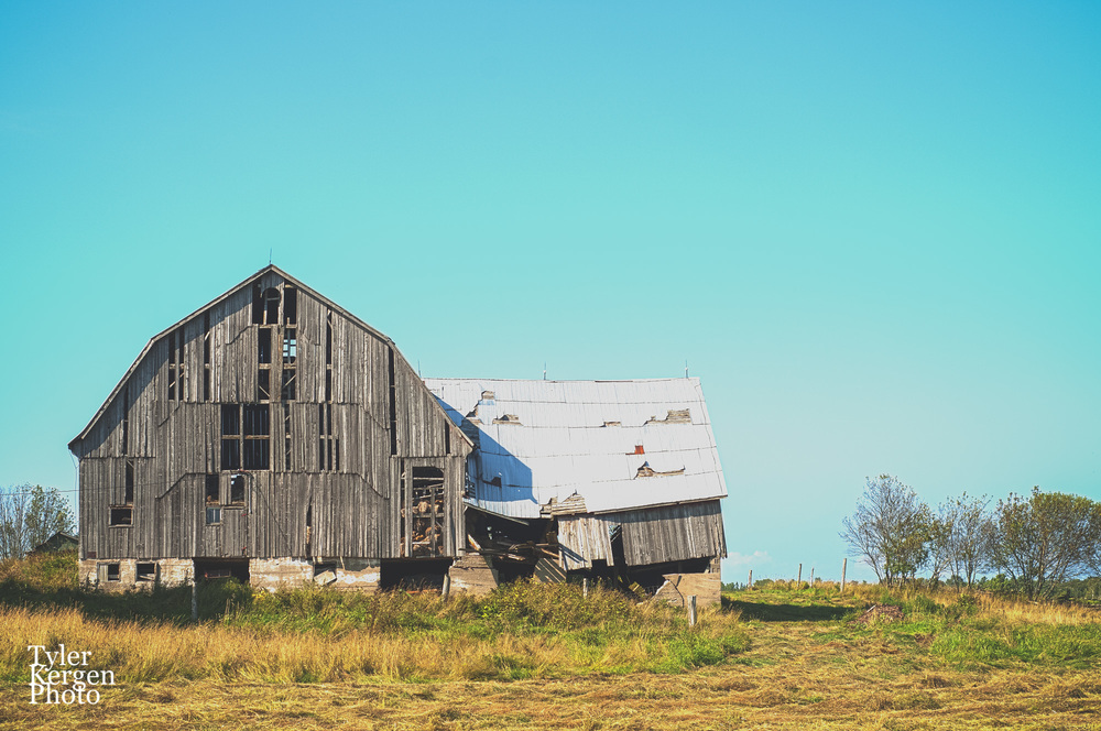 Wooden Barn @ Manitoulin Island, ON