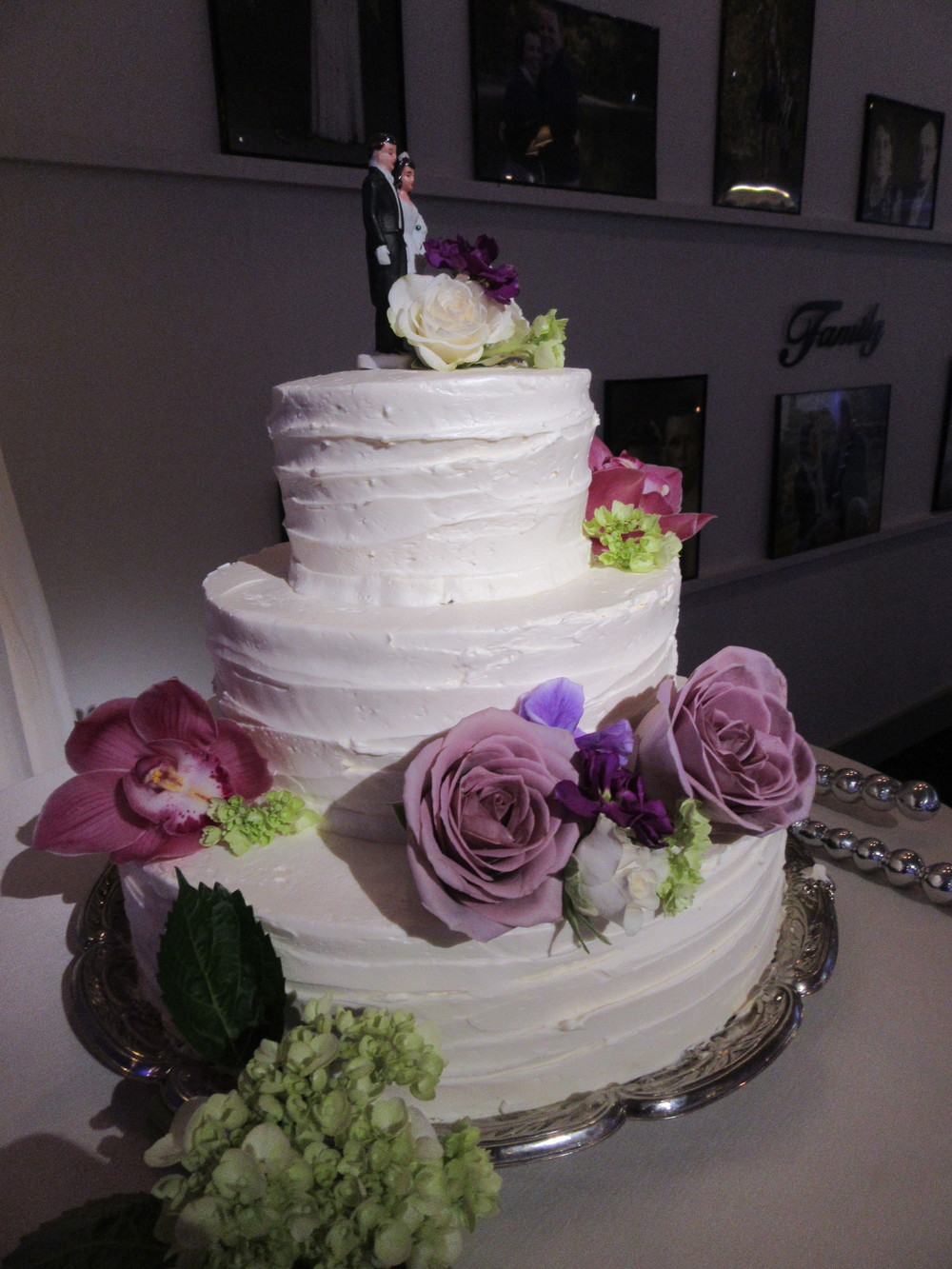 Chef O'dille creates your dream wedding cake