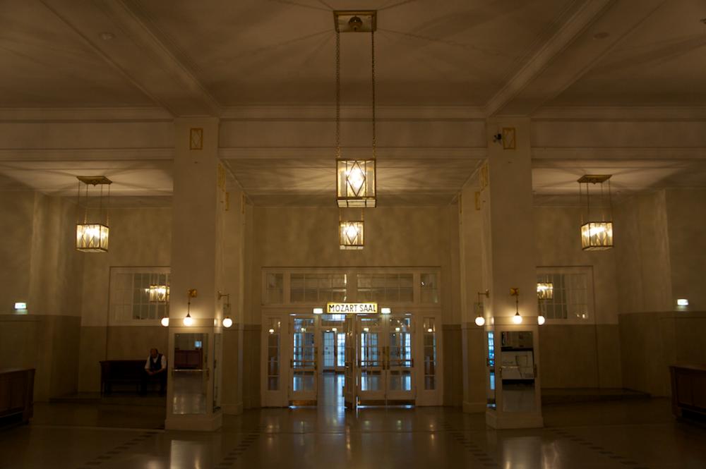 Vor dem Mozartsaal im Konzerthaus
