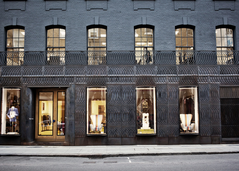 Paul-Smith-Albemarle-Street-store-facade-by-6a-Architects_1.jpg