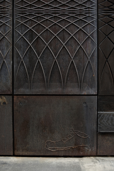 Paul-Smith-Albemarle-Street-store-facade-by-6a-Architects_4.jpg