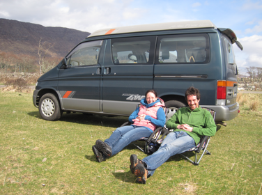 Lynn and Mike enjoy a relaxing lunch break beside Applecross Bay