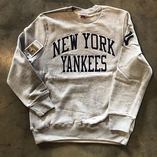 Yankees crew by @mitchellness! Get yours now @mamcoutureboutique! #feelkeamill . . . . . #mamcouture #mamcoutureboutique #streetwear #style #boutique #fashion #denverboutique #denver #mensfashion #womensfashion