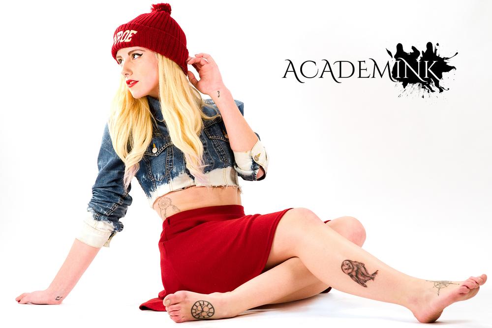 Scarlett, posing for Academink