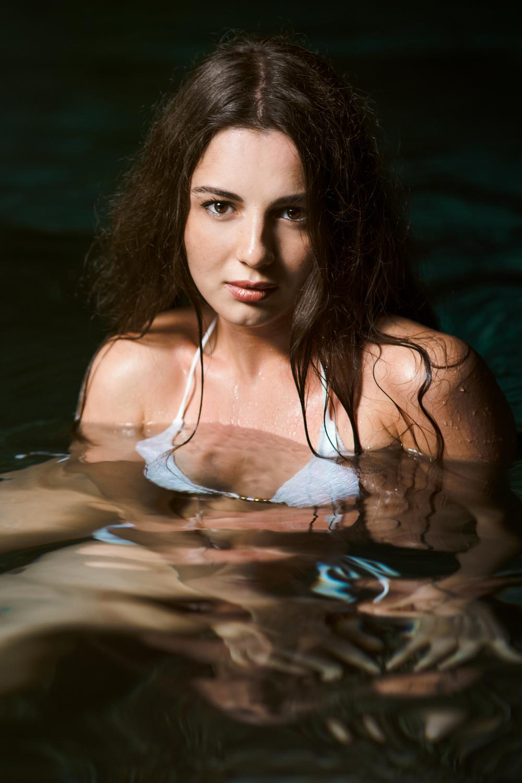 Kristina-Nikitina-Dos-Ojos-005.jpg