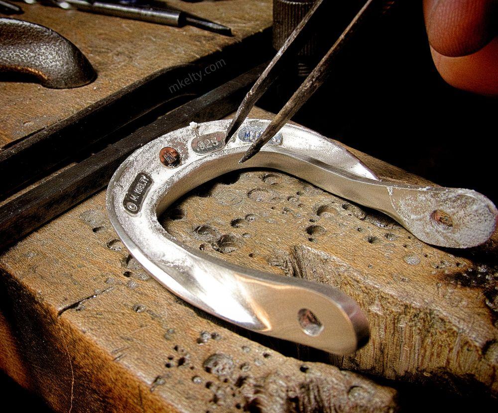 amalfigoldsilverbeltbucklecustomhallmarksmkelty.jpg
