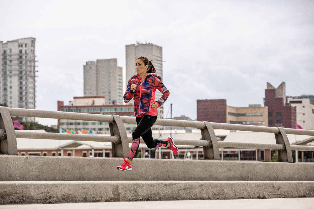 16AW_RT_Running_Wmn_Running_Jacket_Speed_4215-1.jpg