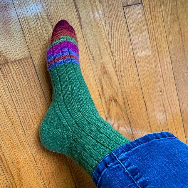 A snazzy way to run out of yarn. Yes, the other one matches.  #handknitsocks