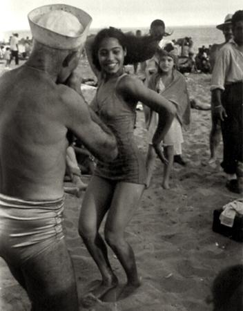 Dan Weiner Coney Island 10 x 8 inches vintage silver print