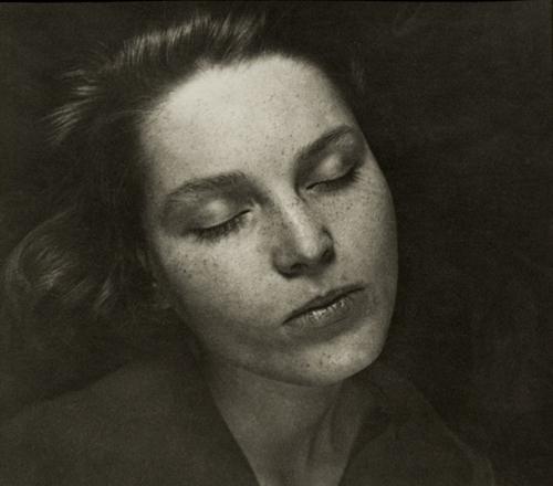 ringl+pit Klärchen, 1930 6.5 x 7.25 inches silver print