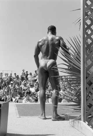 Muscle Beach, CA, 1989 24 x 20 inches edition of 12 silver print