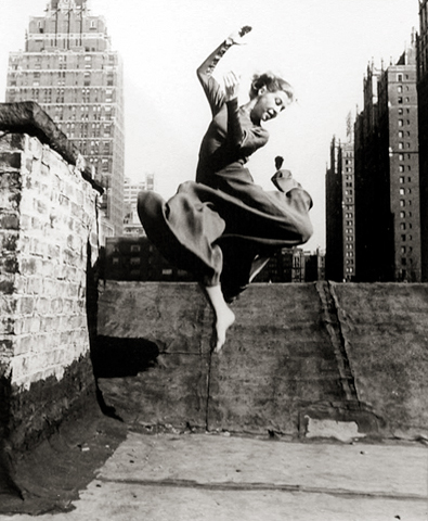 Renate Schottelius in New York, 1953 10 x 8 inches silver print