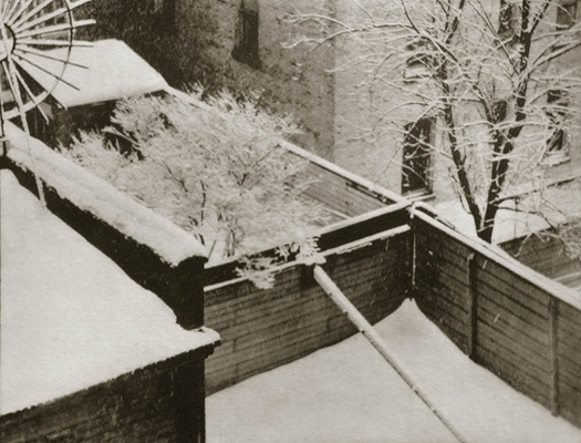New York (backyards), 1916 4 x 6.5 inches photogravure