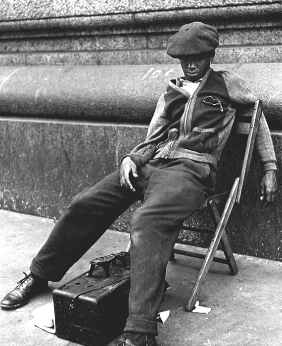 Untitled (Shoeshine, New York), 1948  10 x 8 inches vintage silver print