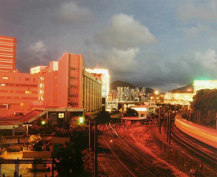 Near Kowloon Station, Hong Kong, 1990 30 x 40 inches edition of 6 chromogenic dye coupler print