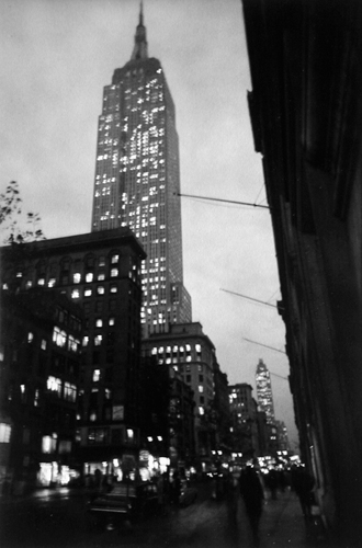 Fifth Avenue, 1963 10 x 7 inches vintage silver print