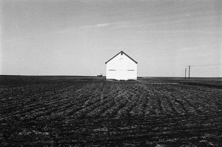 MD74346-39, c.1971-76 from the series  Midwest Diary  11 x 14 inches vintage silver print