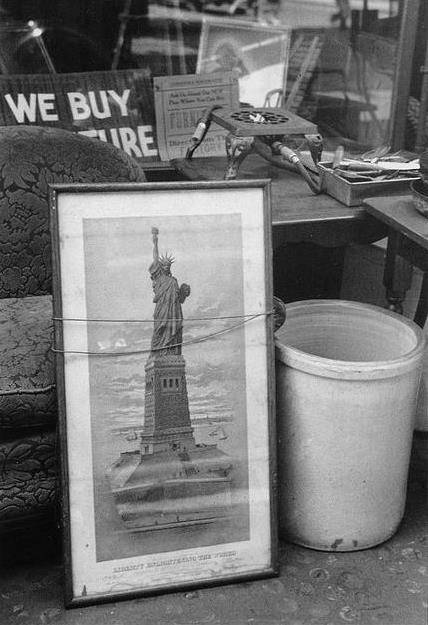 Ellen Auerbach New York Statue of Liberty, 1940 10 x 8 inches silver print