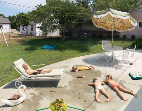 Julie Blackmon Laying Out, 2015 26 x 33 inches (edition of 10) 35.75 x 46 inches (edition of 7) 44 x 57 inches (edition of 5) archival pigment print