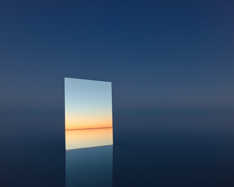 Mirror 25, 2017  Digital pigment print  120 cm x 155 cm  Edition of 7